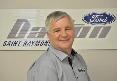 Découvrez Yves Robitaille, conseiller aux ventes chez Dalton Ford!